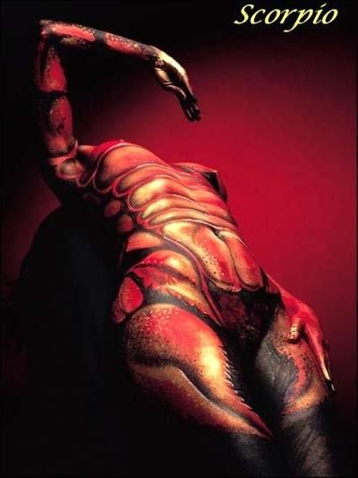 Среди людей, рожденных под знаком скорпиона, встречаются развратные и распущенные личности, находящиеся в постоянных связях сразу с несколькими людьми.